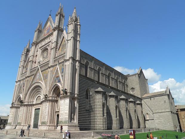 Gita ad orvieto in umbria visita al duomo di orvieto il - Finestre circolari delle chiese gotiche ...